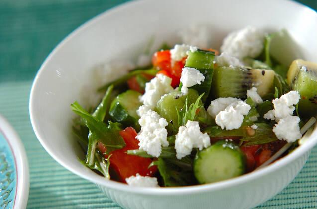 キウイときゅうりのサラダ