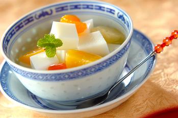 フルーツたっぷりアンニン豆腐
