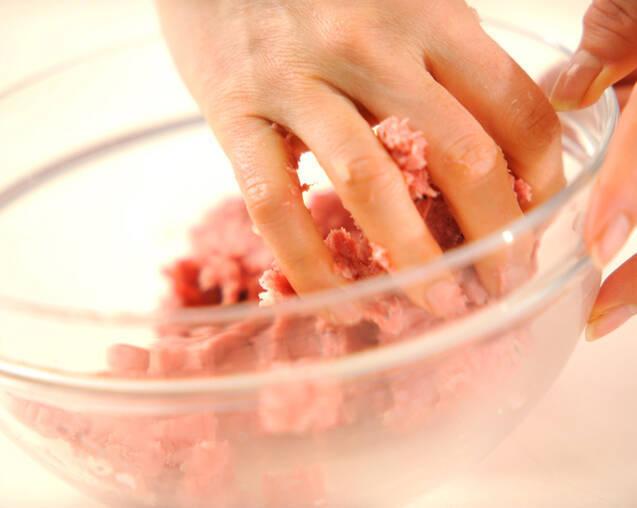 ピーマンの肉詰めトマト煮の作り方の手順4
