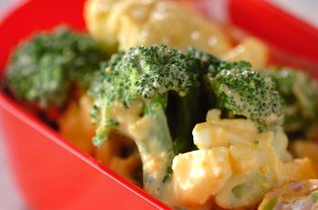 カリフラワーとブロッコリーのサラダ