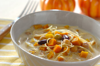 豆乳とカボチャのスープパスタ