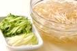 モヤシのカレー酢和えの下準備1