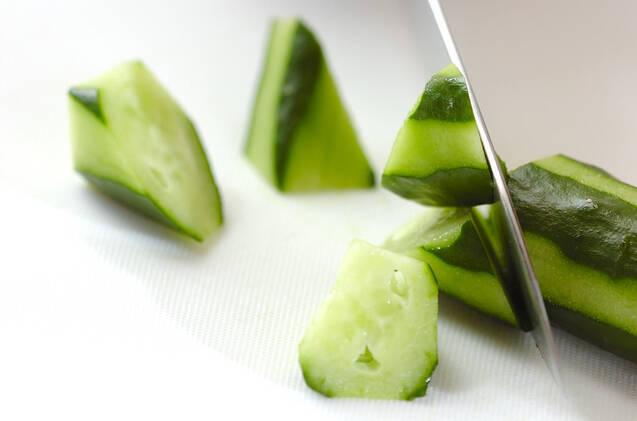 ツナとキュウリのサラダの作り方の手順2