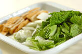 白菜と油揚げのとろとろ雑煮の作り方1