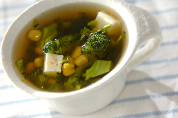 ブロッコリーのくたくたスープ