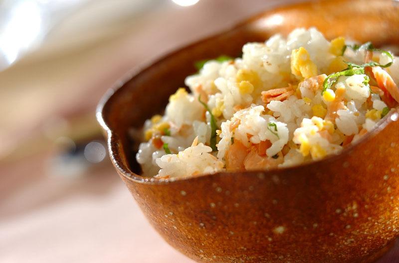 3.鮭と卵の混ぜご飯