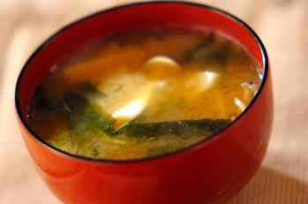 里芋とシメジのみそ汁