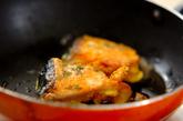 鮭のピカタの作り方2