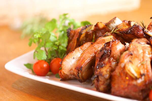 骨付き豚バラ肉のオーブン焼き
