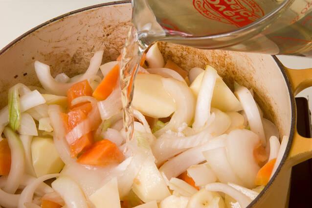 牛肉とジャガイモの炒め煮の作り方の手順10