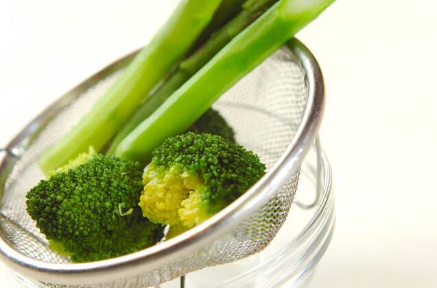アスパラのグリーンサラダの作り方の手順2