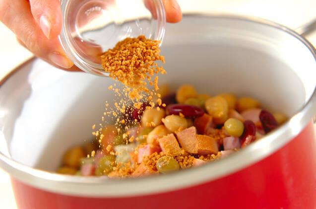 キャベツとソーセージのスープの作り方の手順2