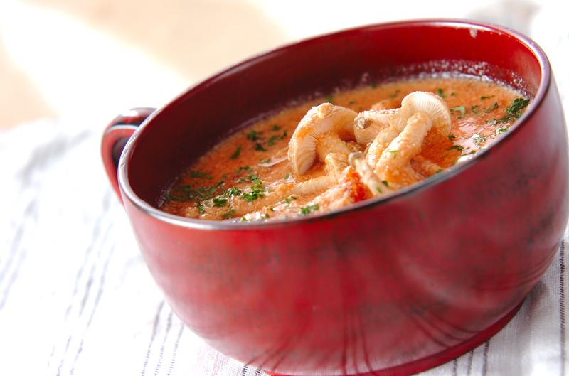 きのこの豆乳トマトスープ