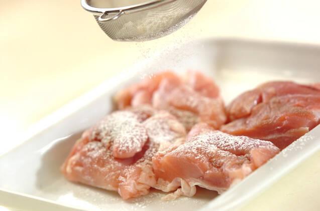鶏肉とキノコのトマトソース煮込みの作り方の手順1