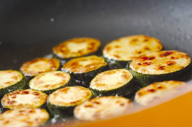 とまらないおいしさ!ズッキーニのさっぱりマリネの作り方の手順3