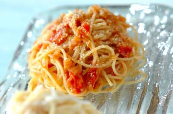 あめ色玉ネギ入りトマトの冷製パスタ