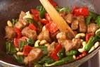 豚肉ナッツ豆板醤炒めの作り方5
