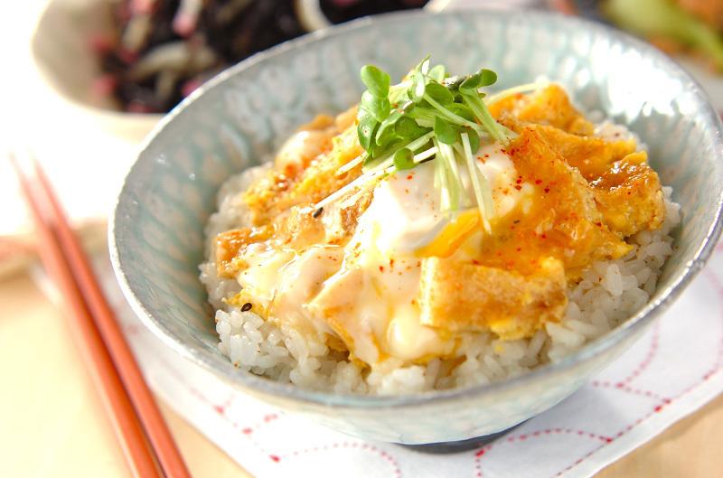 薄揚げのふっくら卵とじ丼