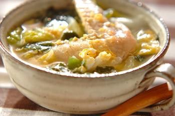 手羽先と白菜のスープ