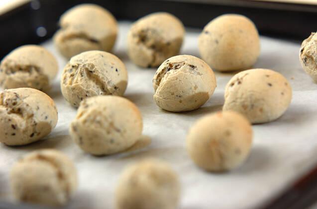 卵と白玉粉で作る黒ゴマのポンデケージョの作り方の手順4