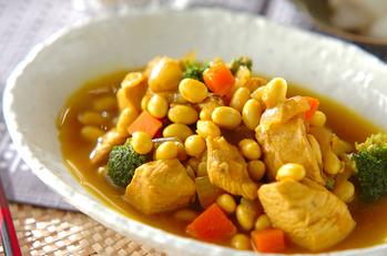 鶏むね肉と大豆のカレー煮