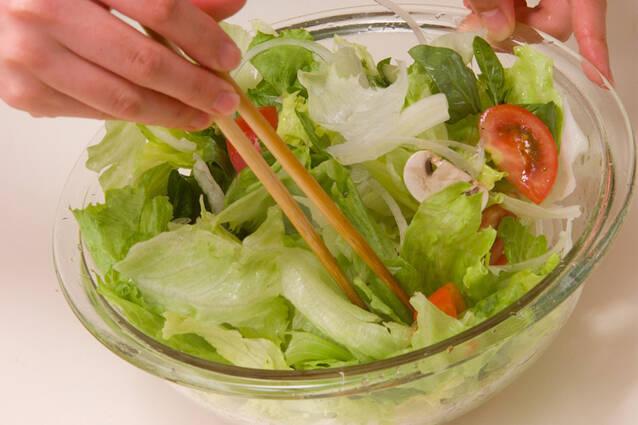 トマトとレタスのサラダの作り方の手順8