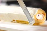 イチゴのブッシュドノエルの作り方9