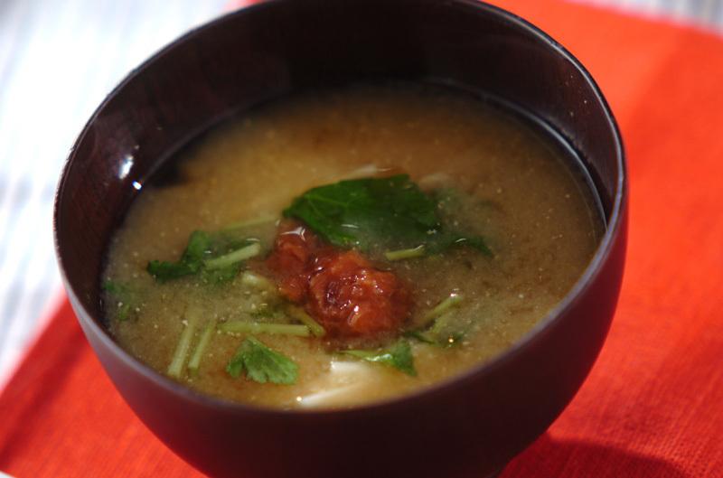 長芋と梅の味噌汁