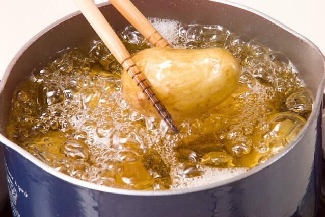 新ジャガと手羽先煮の作り方の手順4