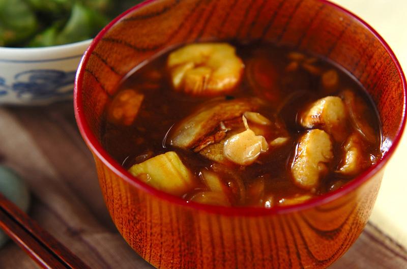 焼きナスとミョウガの赤みそ汁