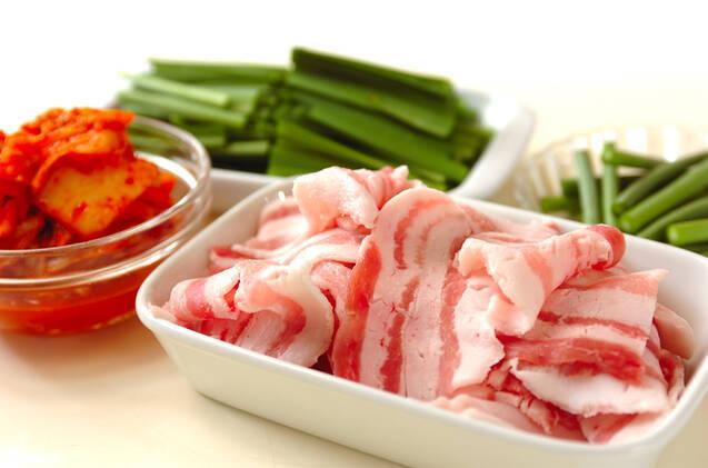 豚肉とキムチの炒め物の作り方の手順1