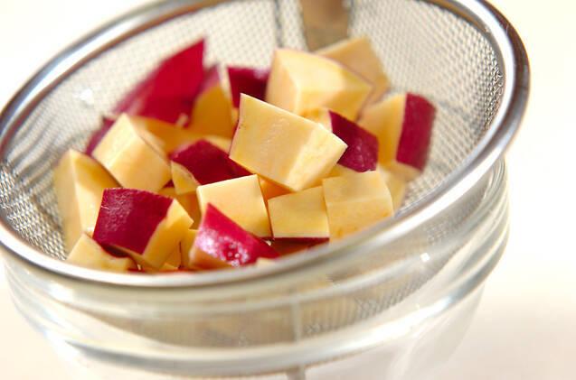 ひき肉入りレンコンとサツマイモのきんぴらの作り方の手順2
