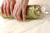 抹茶イチゴロールケーキの作り方12