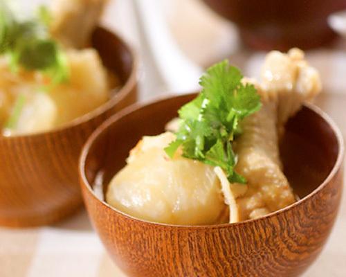 2.カブと鶏肉の豆板醤スープ
