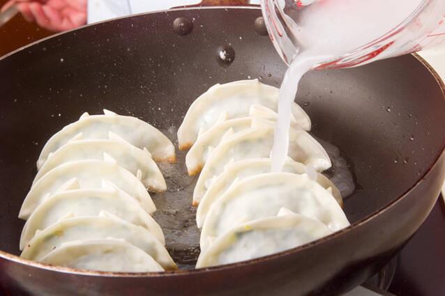 キャベツで焼き餃子の作り方の手順9