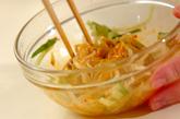 モヤシとキュウリのピリッと甘酢和えの作り方2