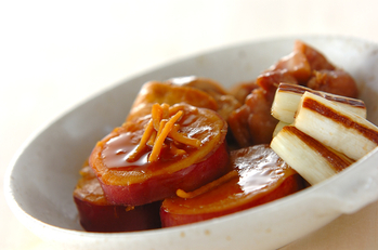 サツマイモと鶏肉の煮物