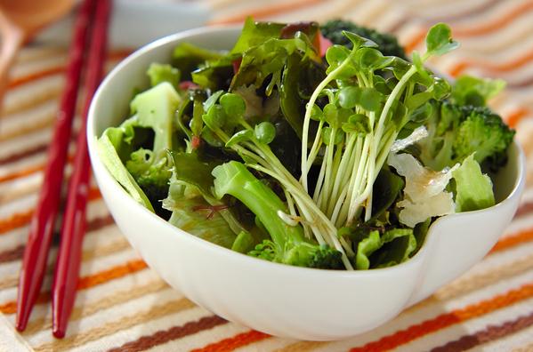 1. 海藻サラダ