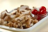 キノコのピリ辛甘酢炒めの下準備1