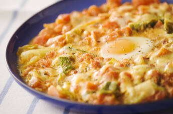 とろーりチーズのトマトとレタスの卵乗せ