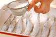 シシャモの甘酢漬けの下準備1