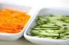 キュウリのサッと炒めの作り方の手順1