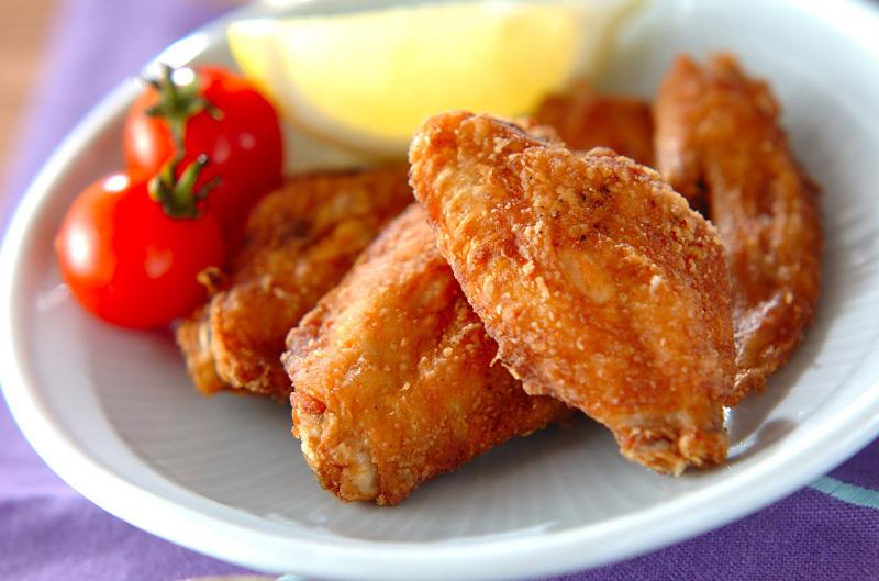 鶏手羽先の塩唐揚げ