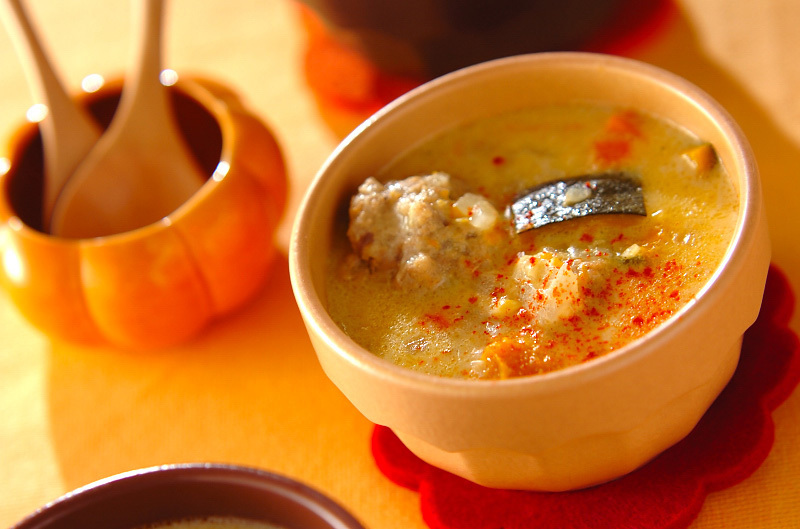 3.ミートボール入りクリームスープ