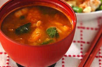 納豆とキムチのピリ辛汁