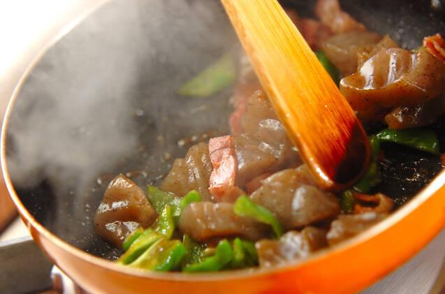 コンニャクとベーコンのピリ辛炒めの作り方の手順5