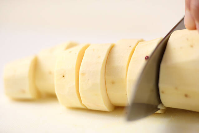 サツマイモのシチューの作り方の手順1