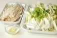 白菜とエノキの甘酢和えの下準備1