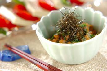 ニラ明太納豆