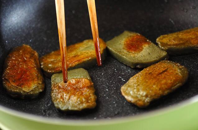 牛肉とレンコンの炒め物の作り方の手順2